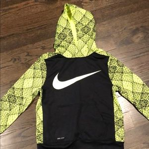 NIKE Boys dri-fit sweatshirt.  Size M.